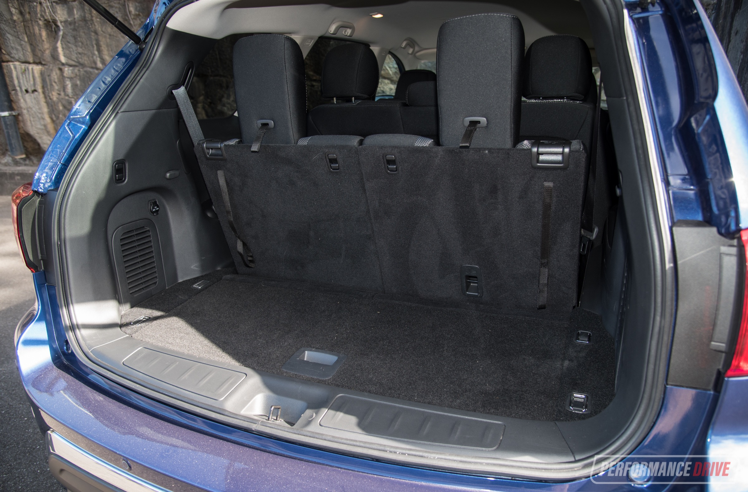 Range Rover Vs Land Rover >> 2018 Nissan Pathfinder ST-min cargo space