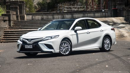 2018 Toyota Camry SL review – V6 & 2.5L (video)
