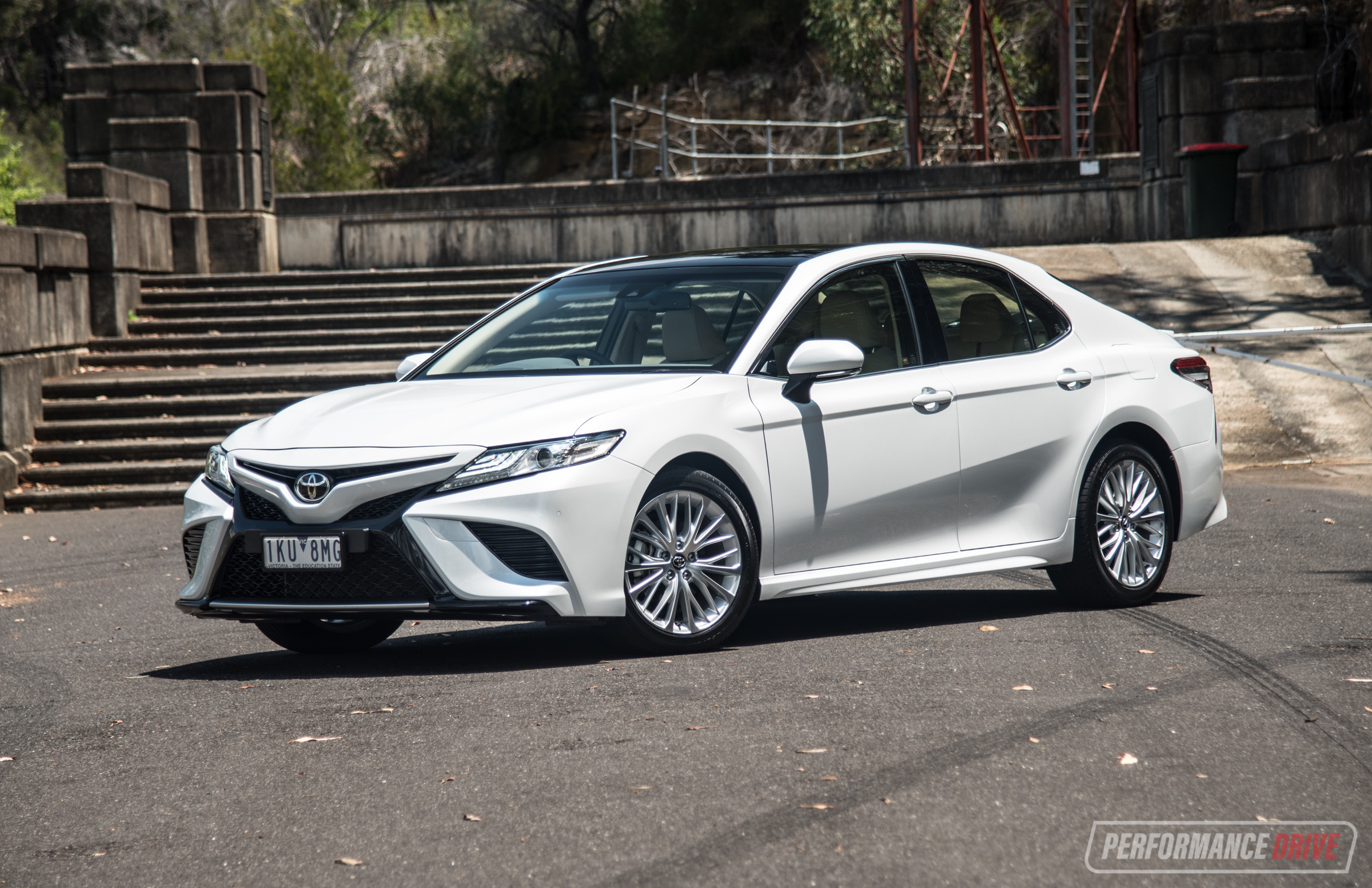 2018 Toyota Camry Sl Review V6 Amp 2 5l Video