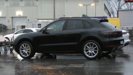 2019 Porsche Macan prototype spotted, minor design tweaks (video)