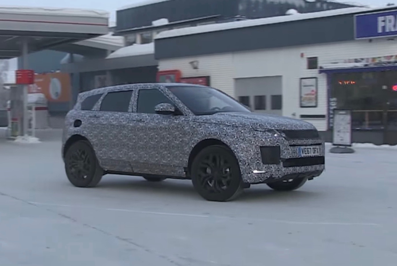 2019 Range Rover Evoque Spotted To Debut Hybrid