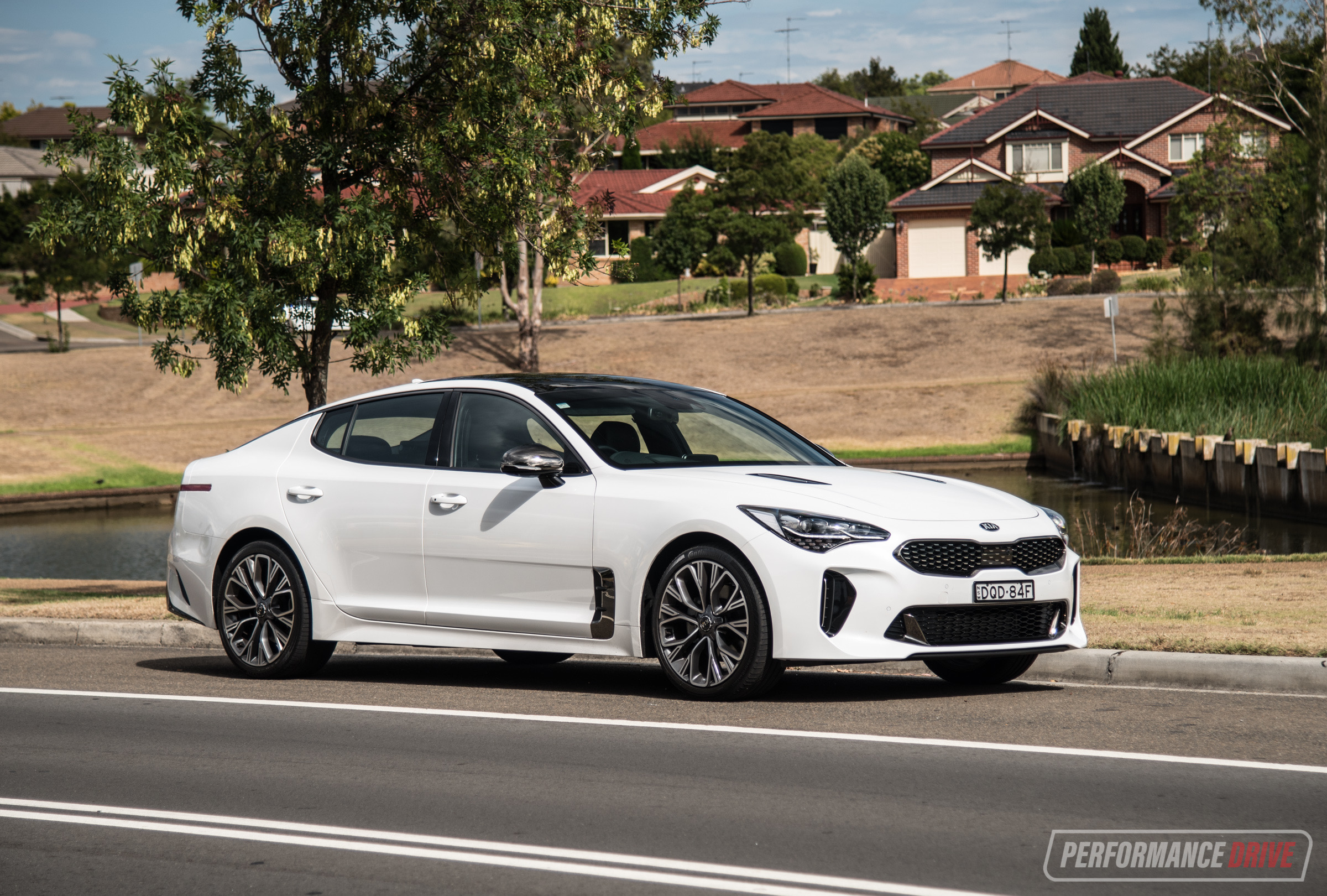 2018 Kia Stinger 200 GT-Line (video) | PerformanceDrive