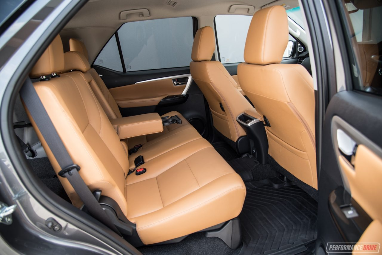 Suv With Third Row >> 2018 Toyota Fortuner Crusade review (video)   PerformanceDrive