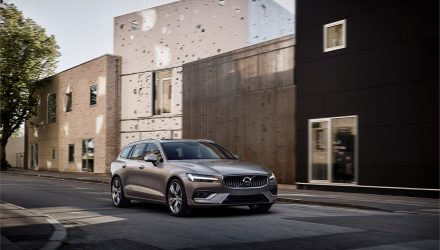 2019 Volvo V60 revealed; new safety features, plug-in hybrid variant