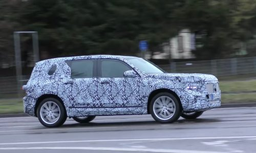 2019 Mercedes-Benz GLB spotted, new rugged small SUV (ideo)