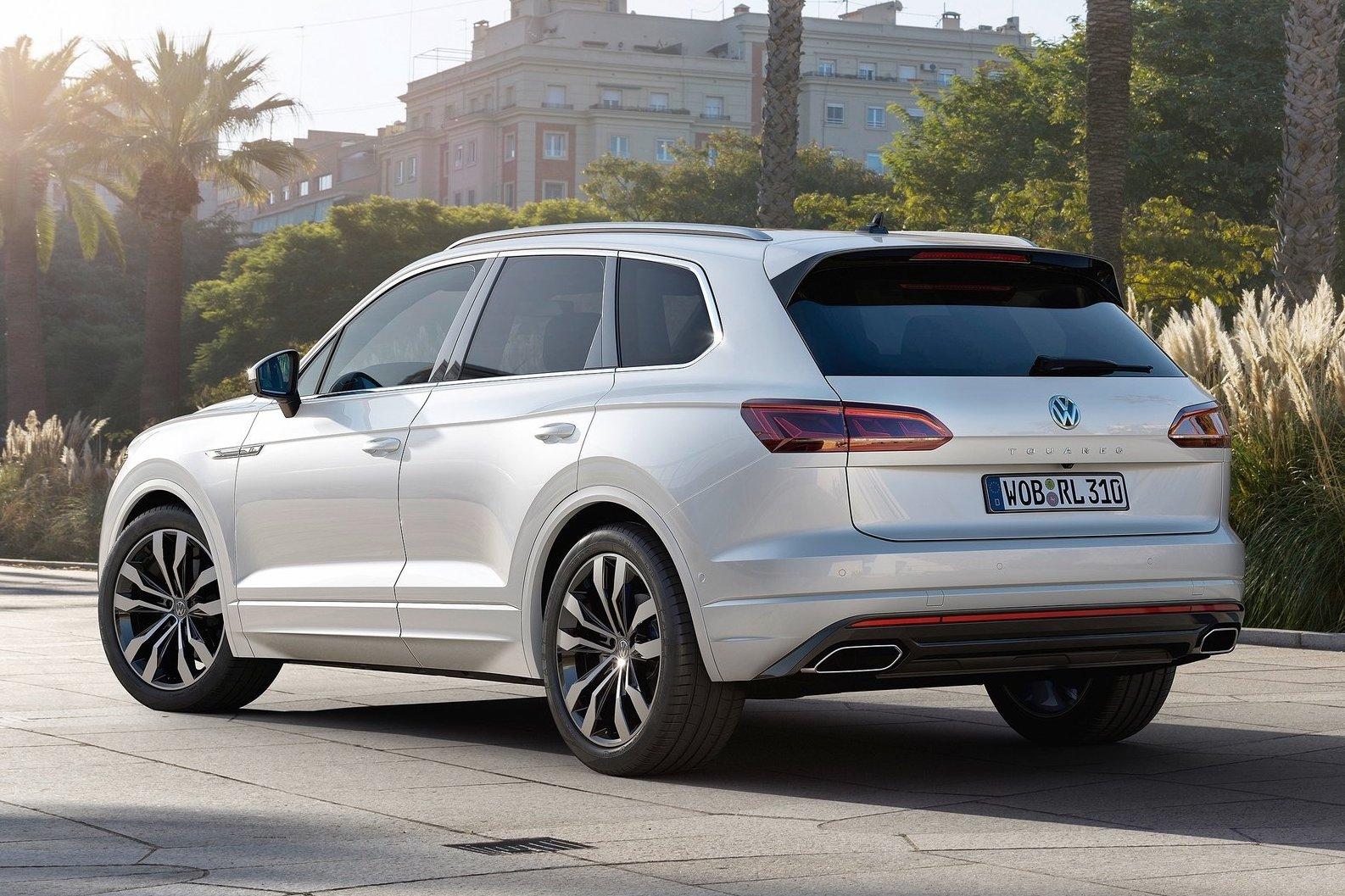 volkswagen touareg unveiled  kw  diesel performancedrive