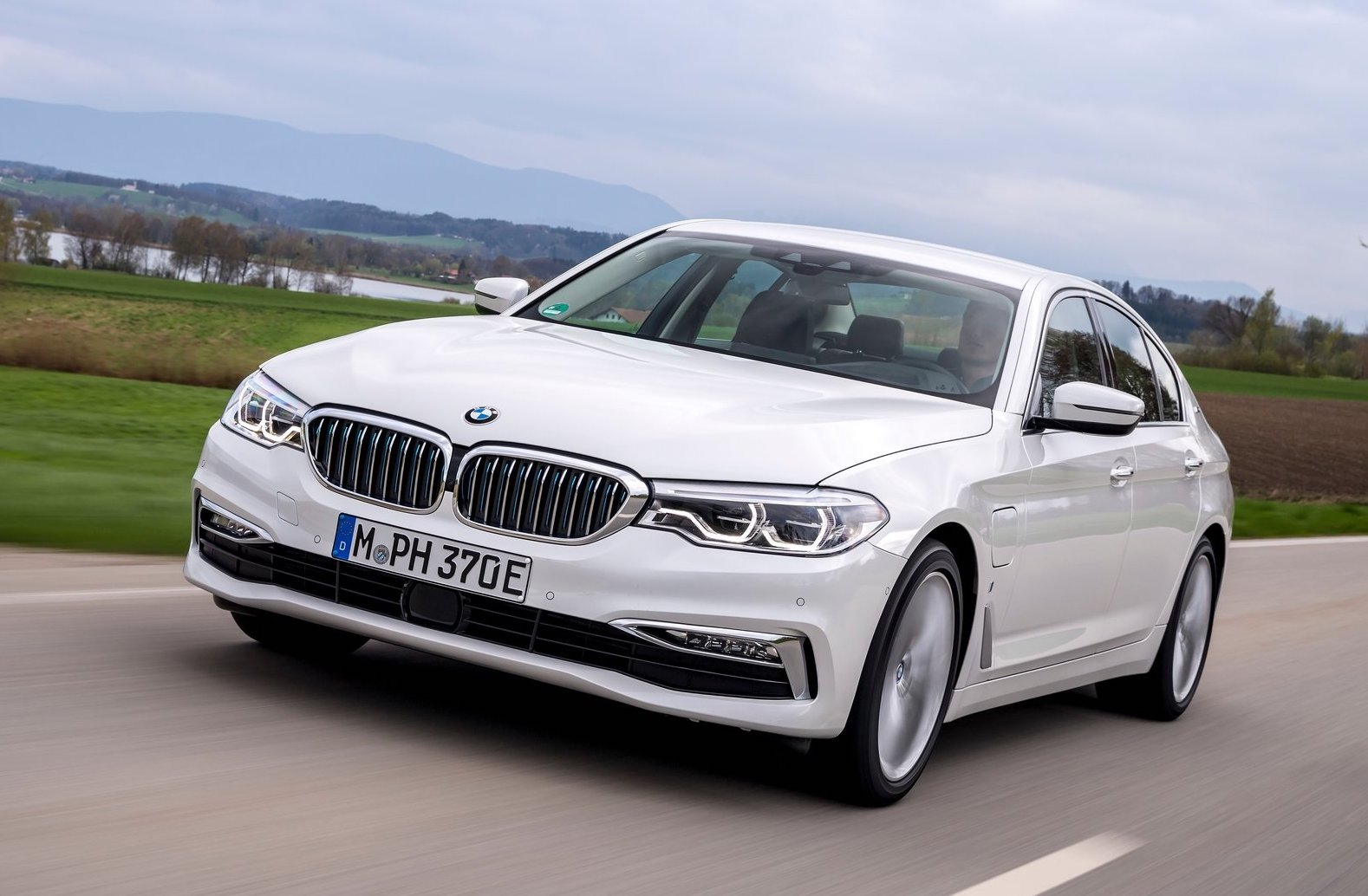 BMW reports record global sales during 2017, profits up 10.2% | PerformanceDrive