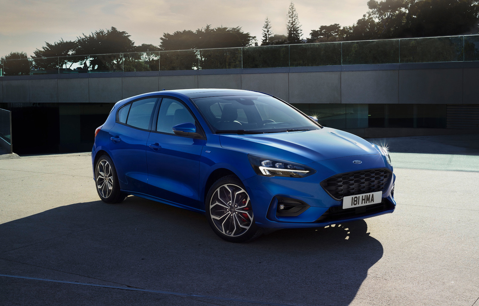 2019 ford focus unveiled  active crossover  u0026 st