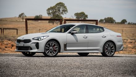 2018 Kia Stinger 330Si review (video)