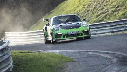 2018 Porsche 911 GT3 RS laps Nurburgring in 6:56.4 (video)