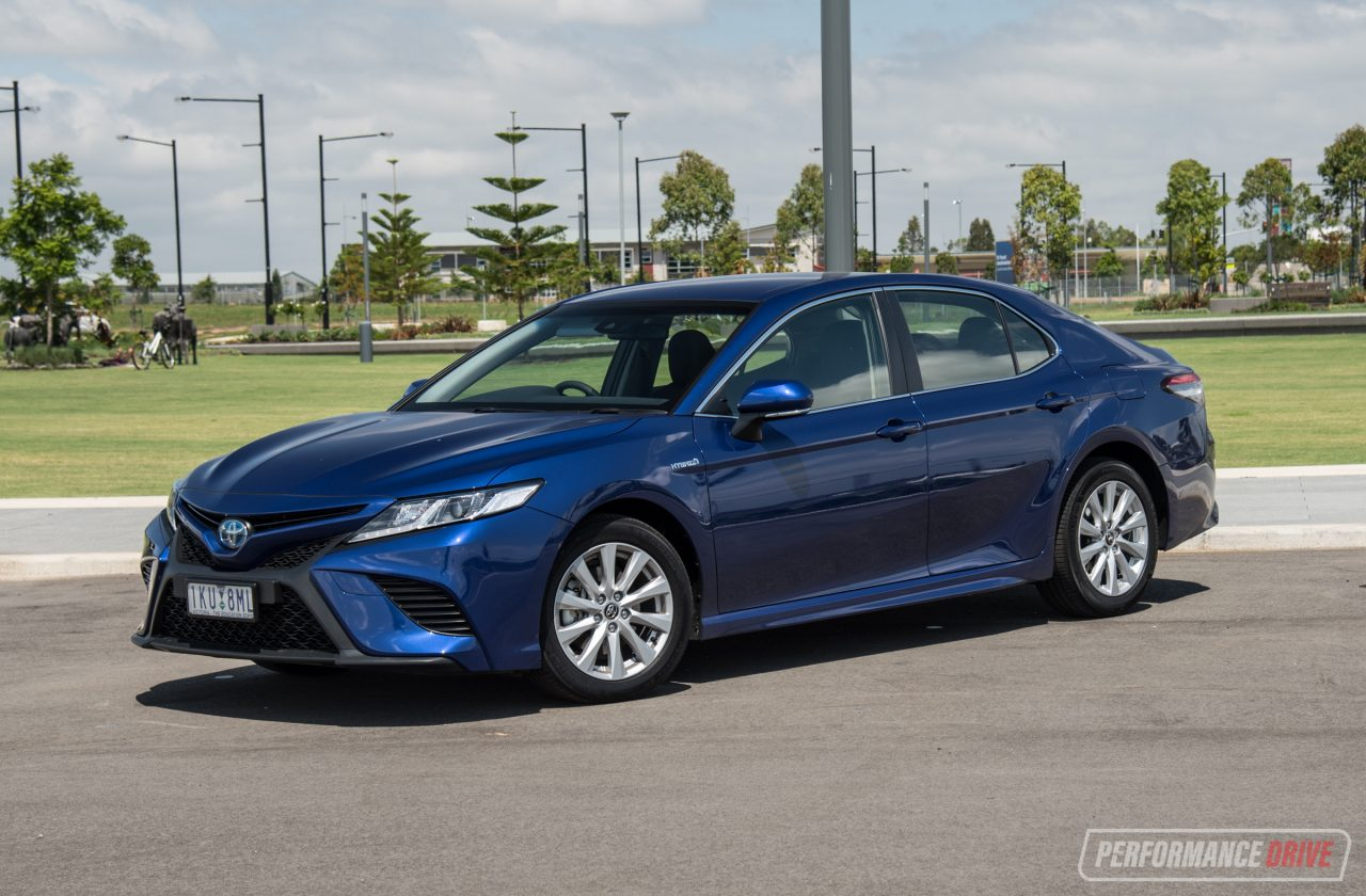 2018 Toyota Camry Hybrid Review Video Performancedrive
