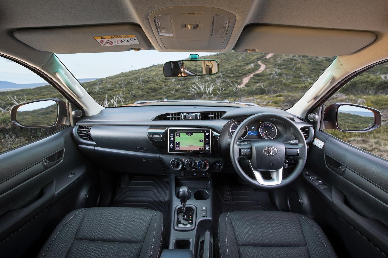 2018 Toyota HiLux Rugged-interior