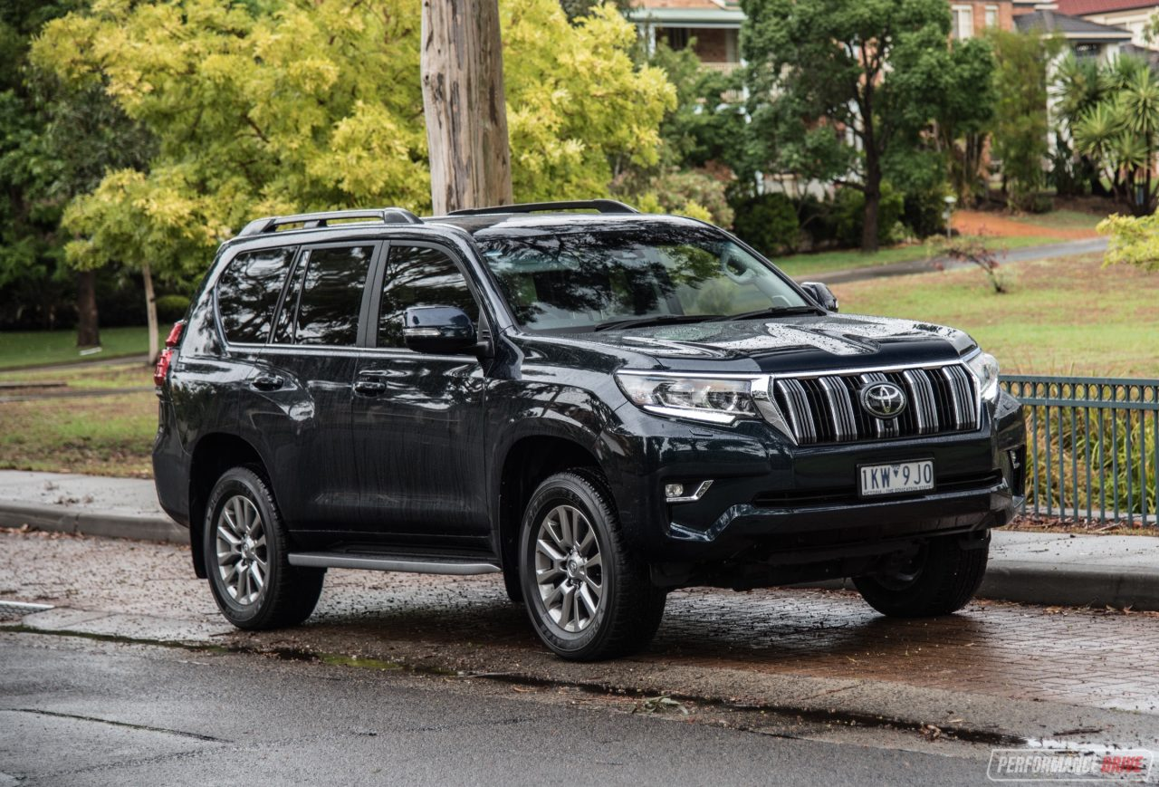 2018 toyota landcruiser prado review gx kakadu video. Black Bedroom Furniture Sets. Home Design Ideas