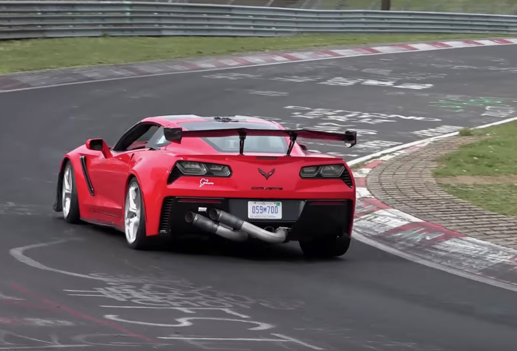 Video: 2019 Chevrolet Corvette ZR1 hunting Nurburgring ...