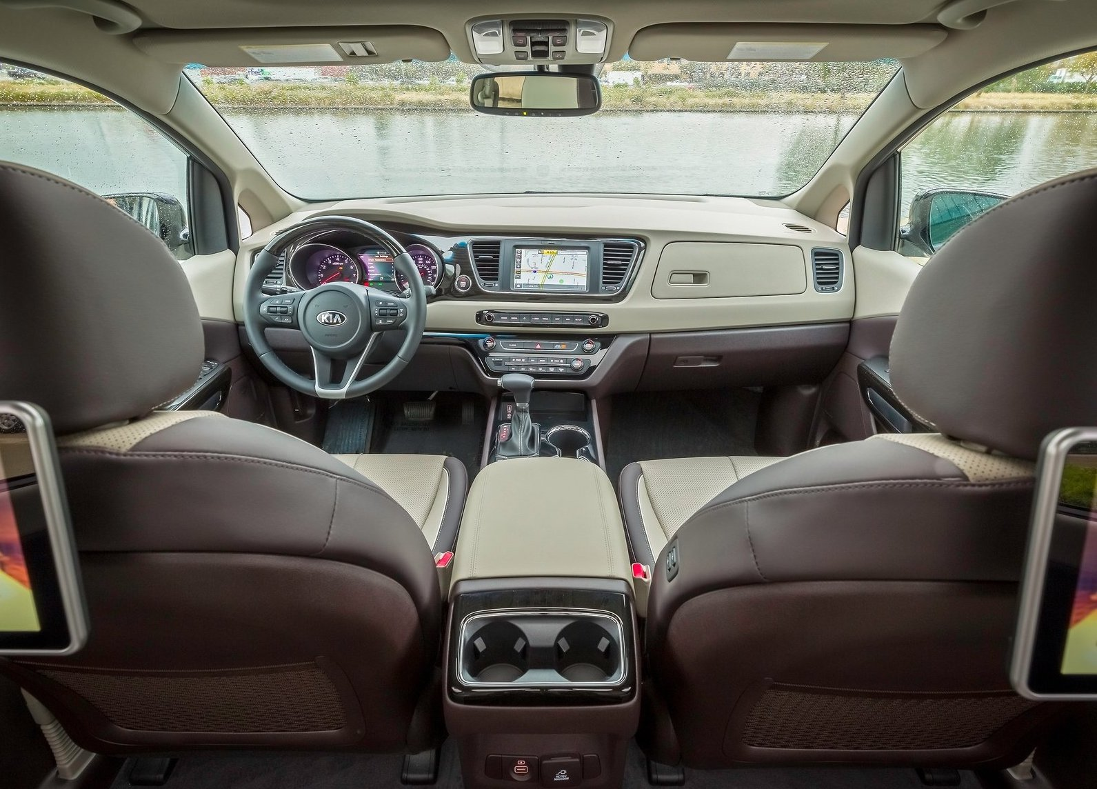 Minivan For Sale >> 2019 Kia Carnival facelift revealed, V6 gets 8-speed auto ...