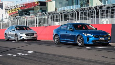 2018 Holden Commodore VXR vs Kia Stinger 330Si: Sports sedan comparison (video)