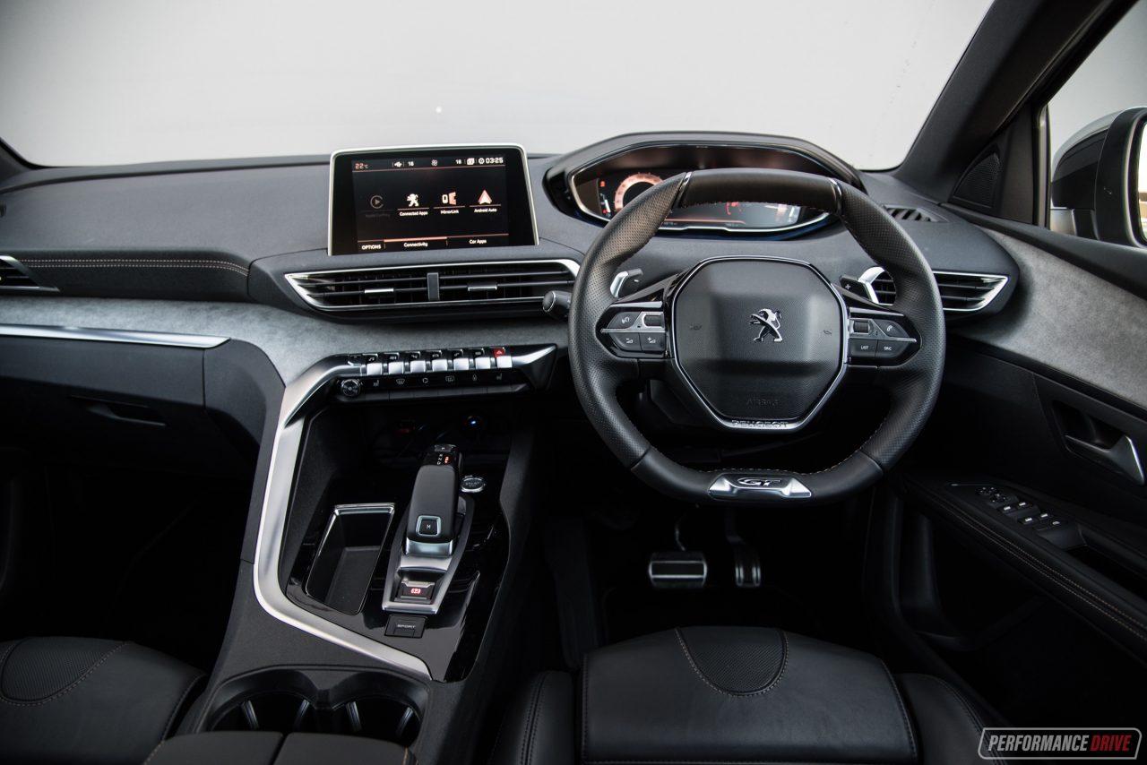 2018 Peugeot 5008 GT Diesel Review (video)