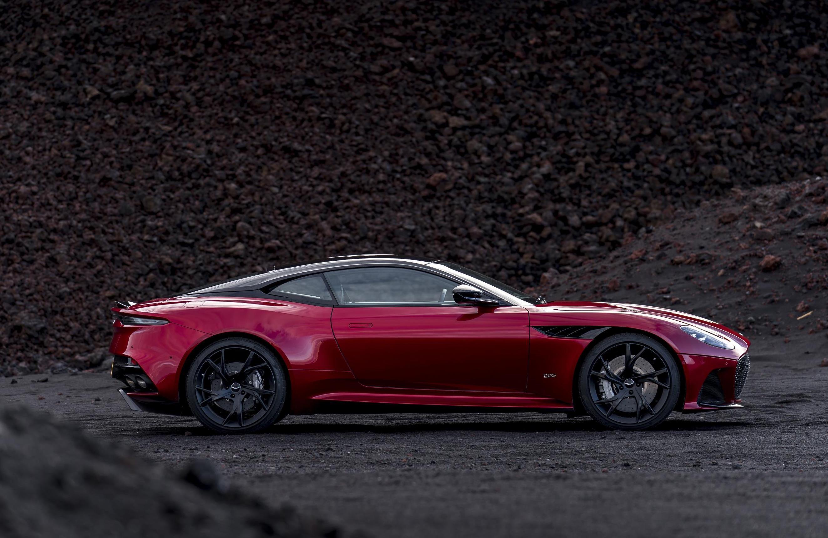 Aston Martin Dbs Superleggera Revealed Performancedrive