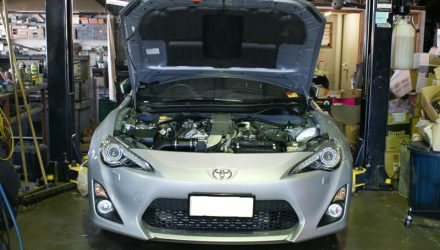 Toyota 86 with perfect 2GR-FSE twin-turbo V6 conversion (video)