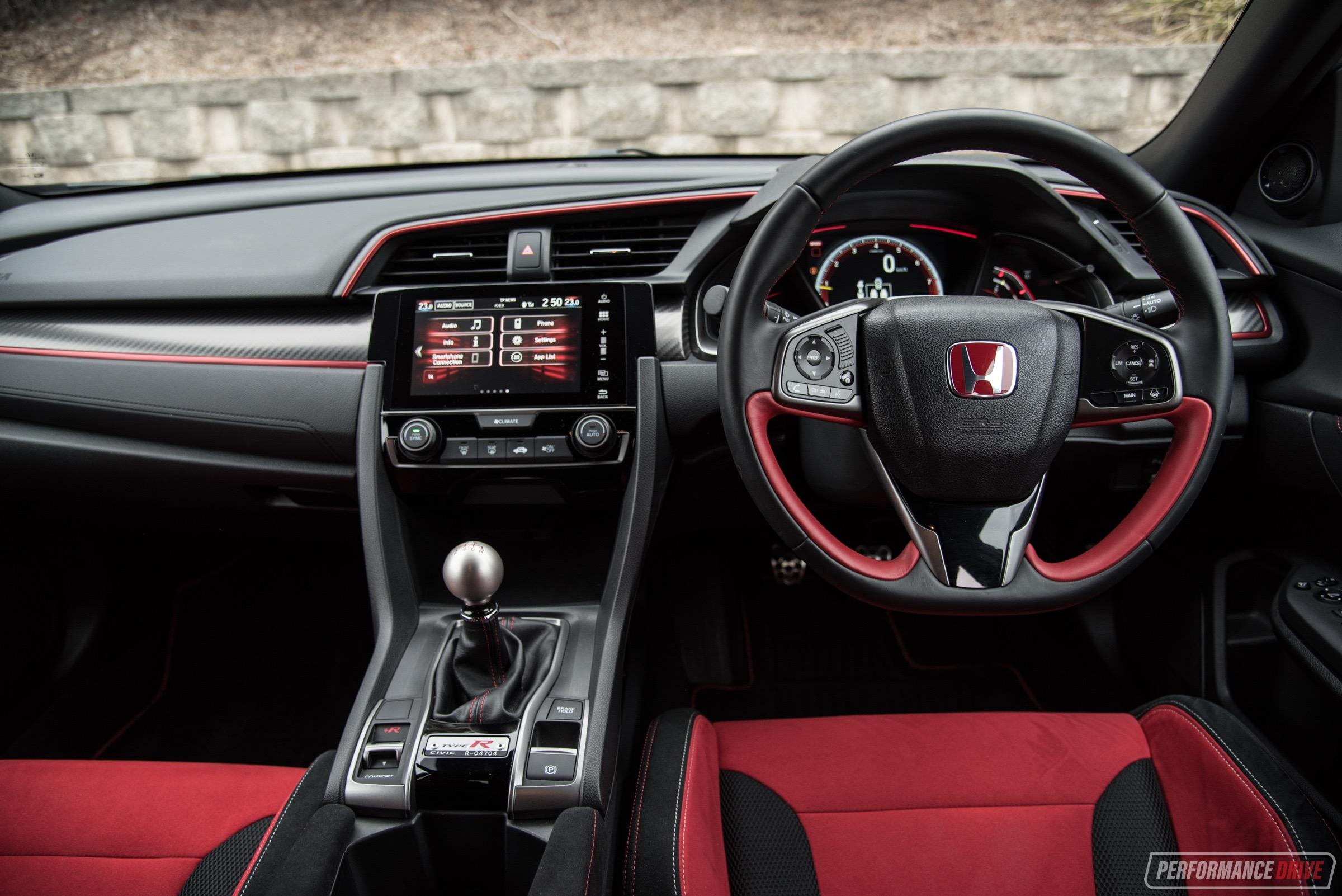 Land Rover Vs Jeep >> 2018 Honda Civic Type R-interior