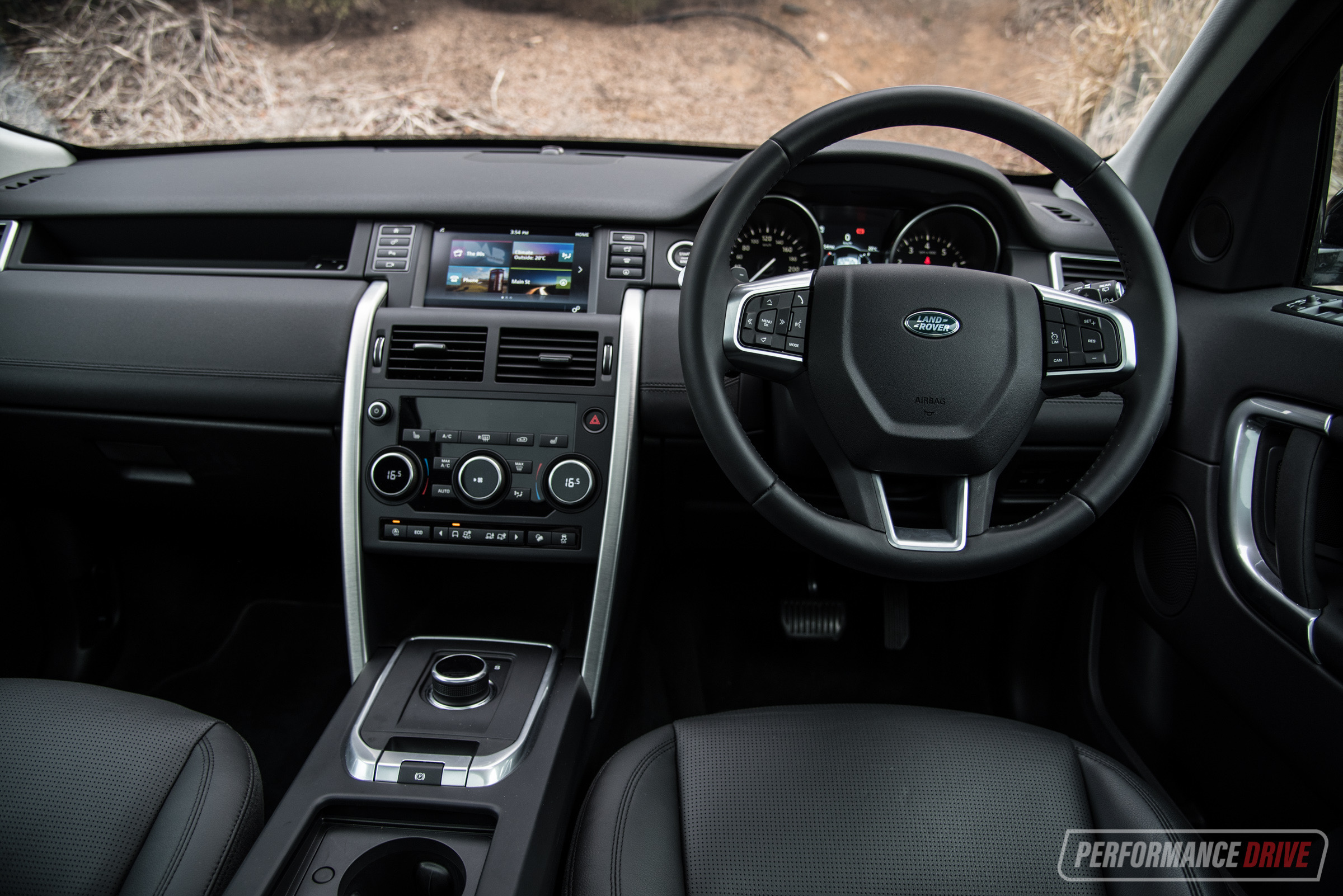 Range Rover Interior >> 2018 Land Rover Discovery Sport Si4 SE review (video) | PerformanceDrive