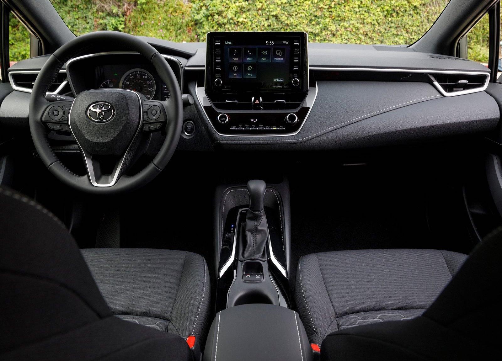 2019 Toyota Corolla Gets Adaptive Cruise Control Aeb As Standard