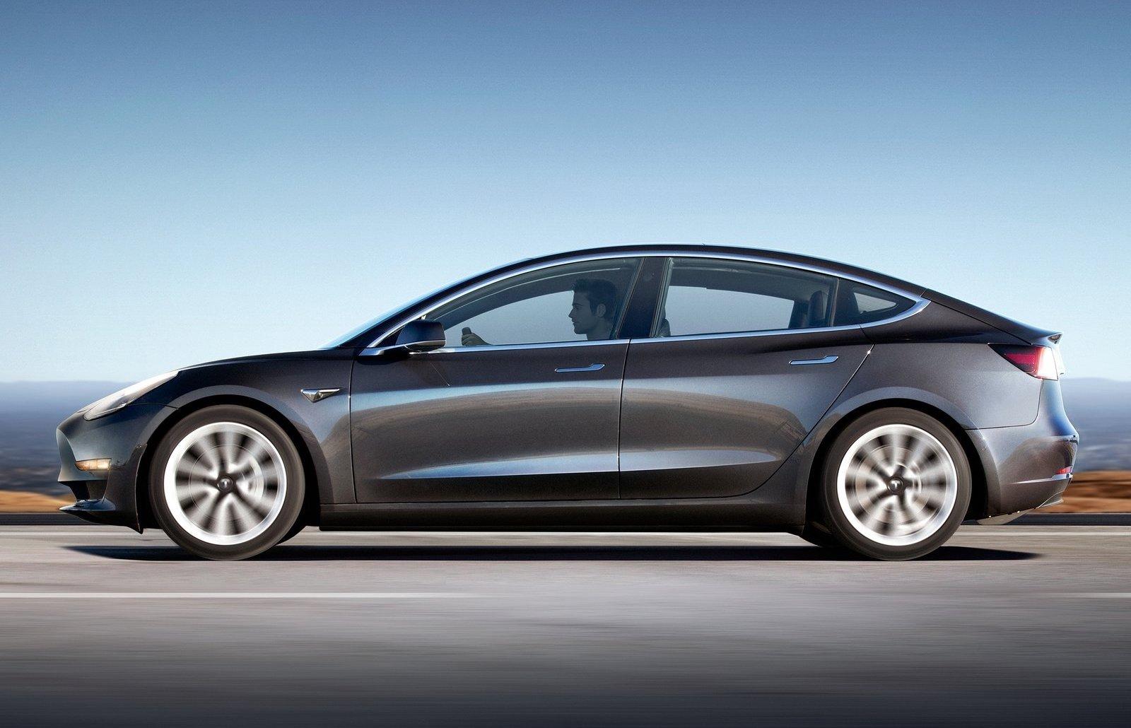 Tesla Model S Specs >> Tesla Model 3 Performance specs revealed, range of 733km | PerformanceDrive