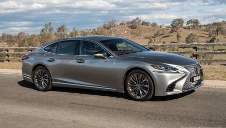 2018 Lexus LS 500 twin-turbo review (video)
