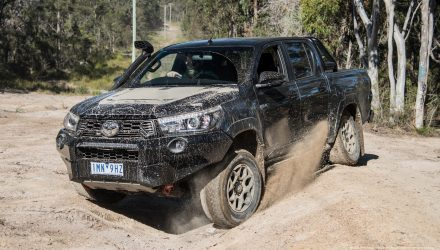 2018 Toyota HiLux Rugged X review (video)