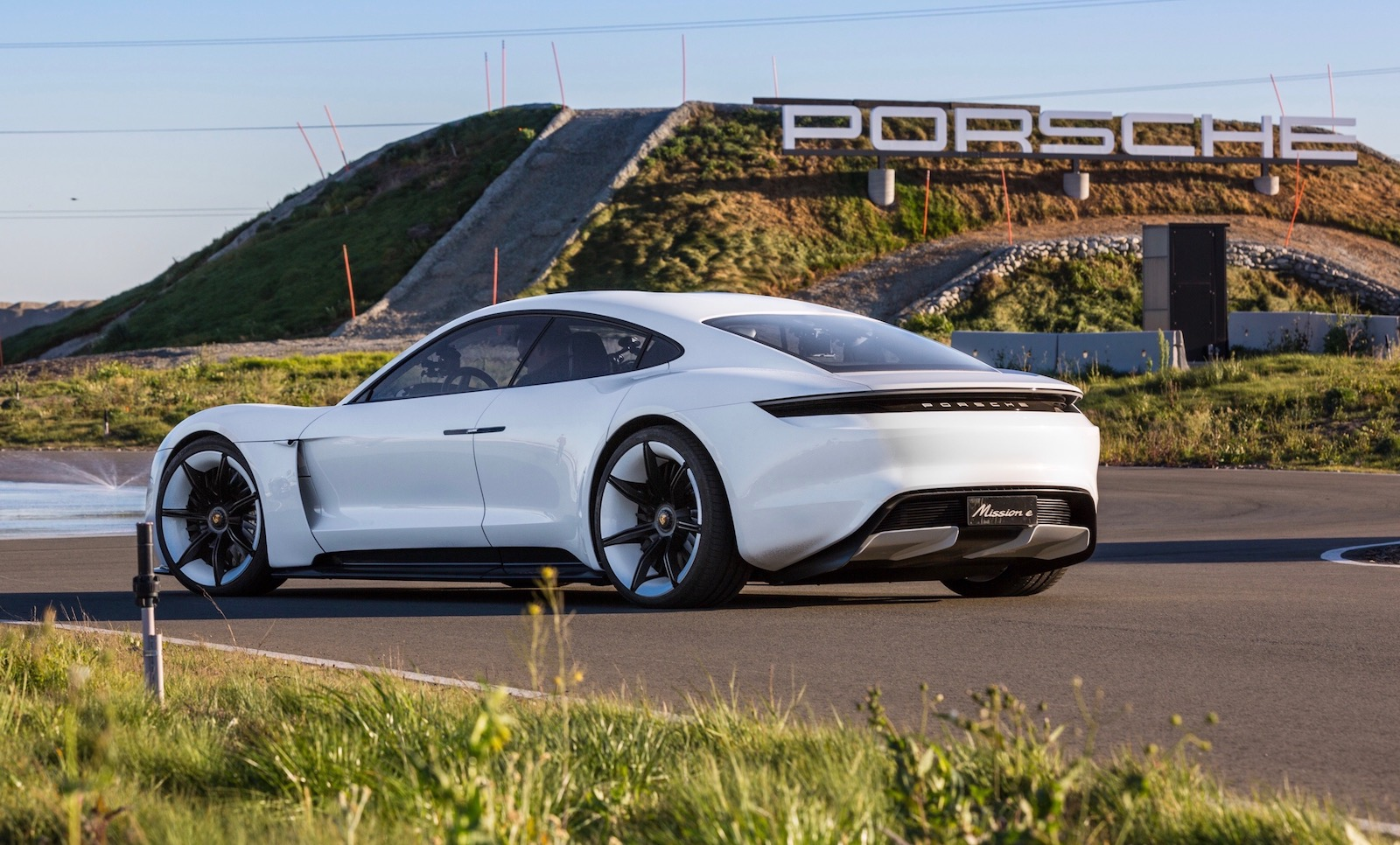 Top 10 best electric hybrid cars coming in 2019 2020