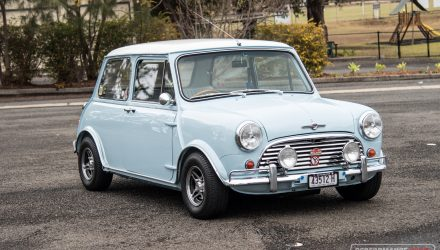 1964 Mini Cooper S replica 0-100km/h & engine sound (video)