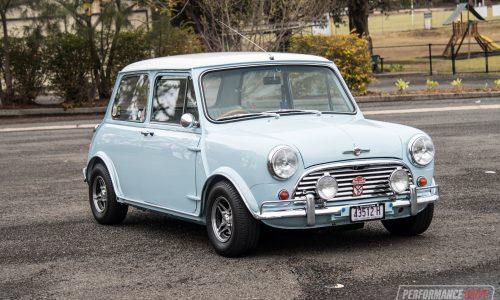 1964 Mini Cooper S replica 0-100km/h & engine sound (video)