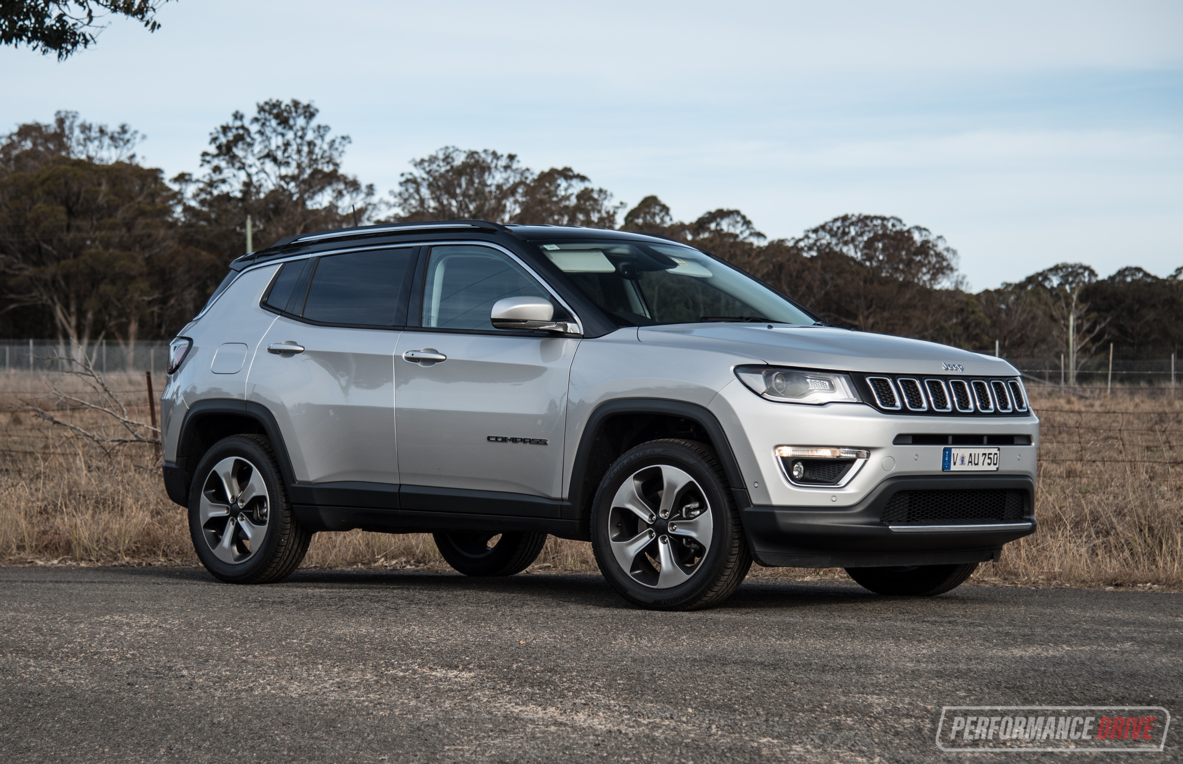 High Quality 2018 Jeep Compass Limited Silver