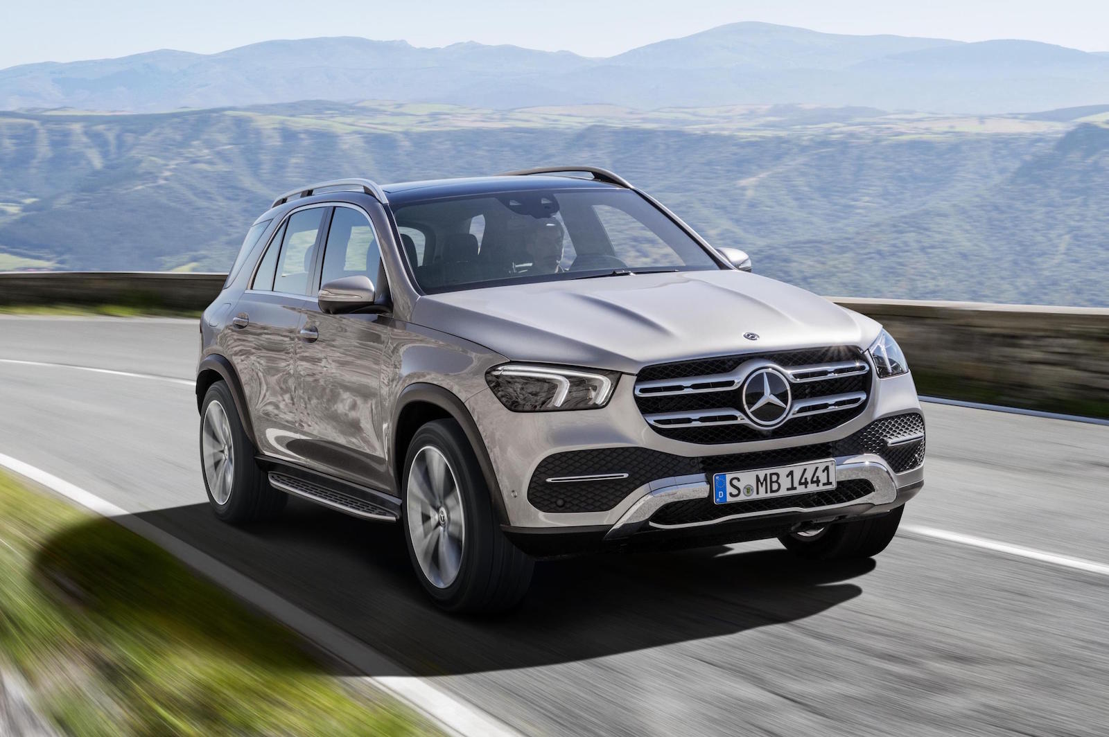 2019 mercedes benz gle officially revealed performancedrive. Black Bedroom Furniture Sets. Home Design Ideas