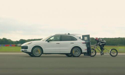 Video: Porsche Cayenne Turbo helps crazy cyclist set new speed record