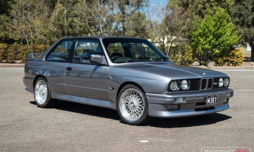 1987 BMW M3 E30 0-100km/h & engine sound (video)