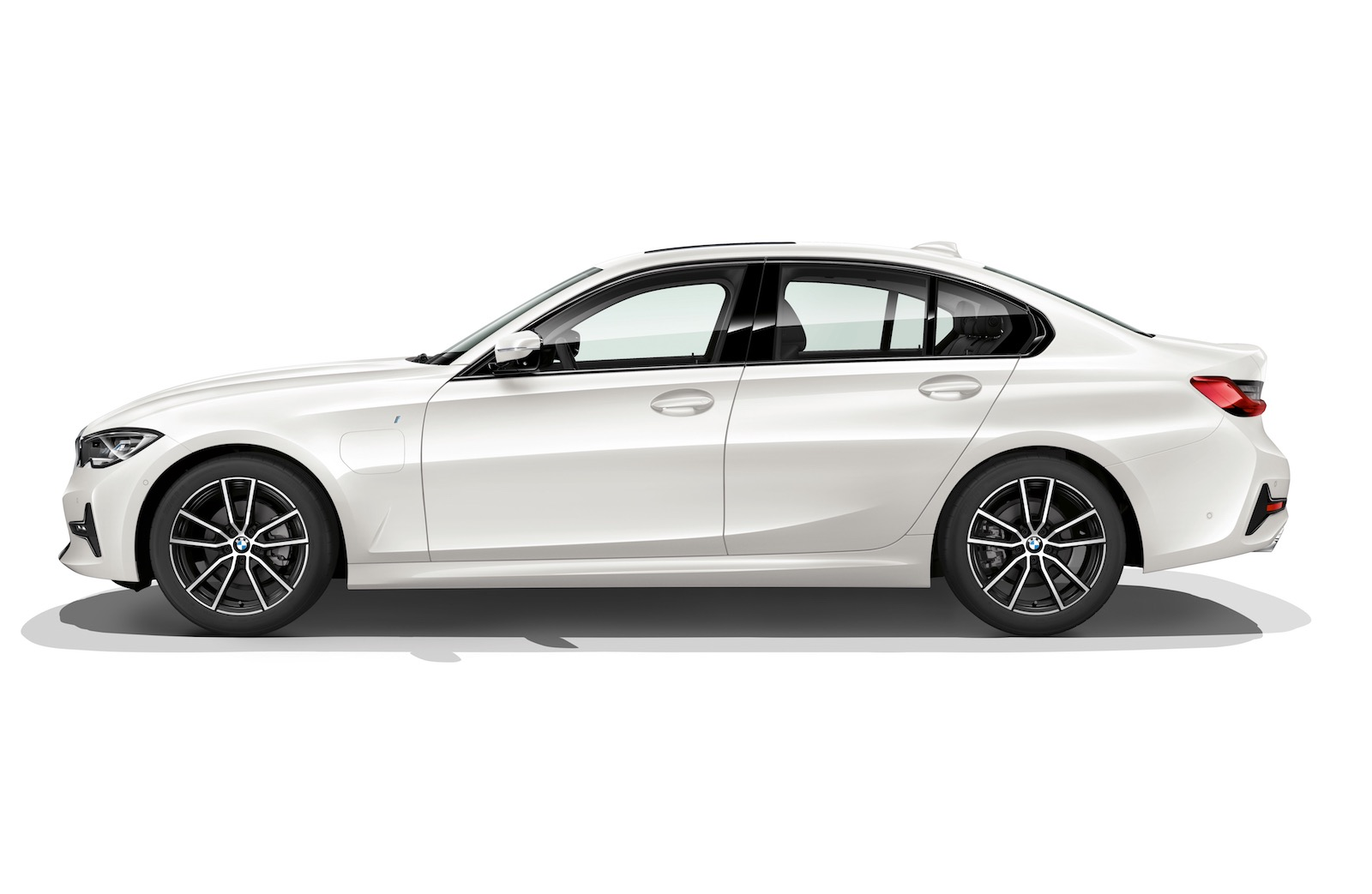 2019 Bmw 330e Offers Increased Range Gets Xtraboost Mode