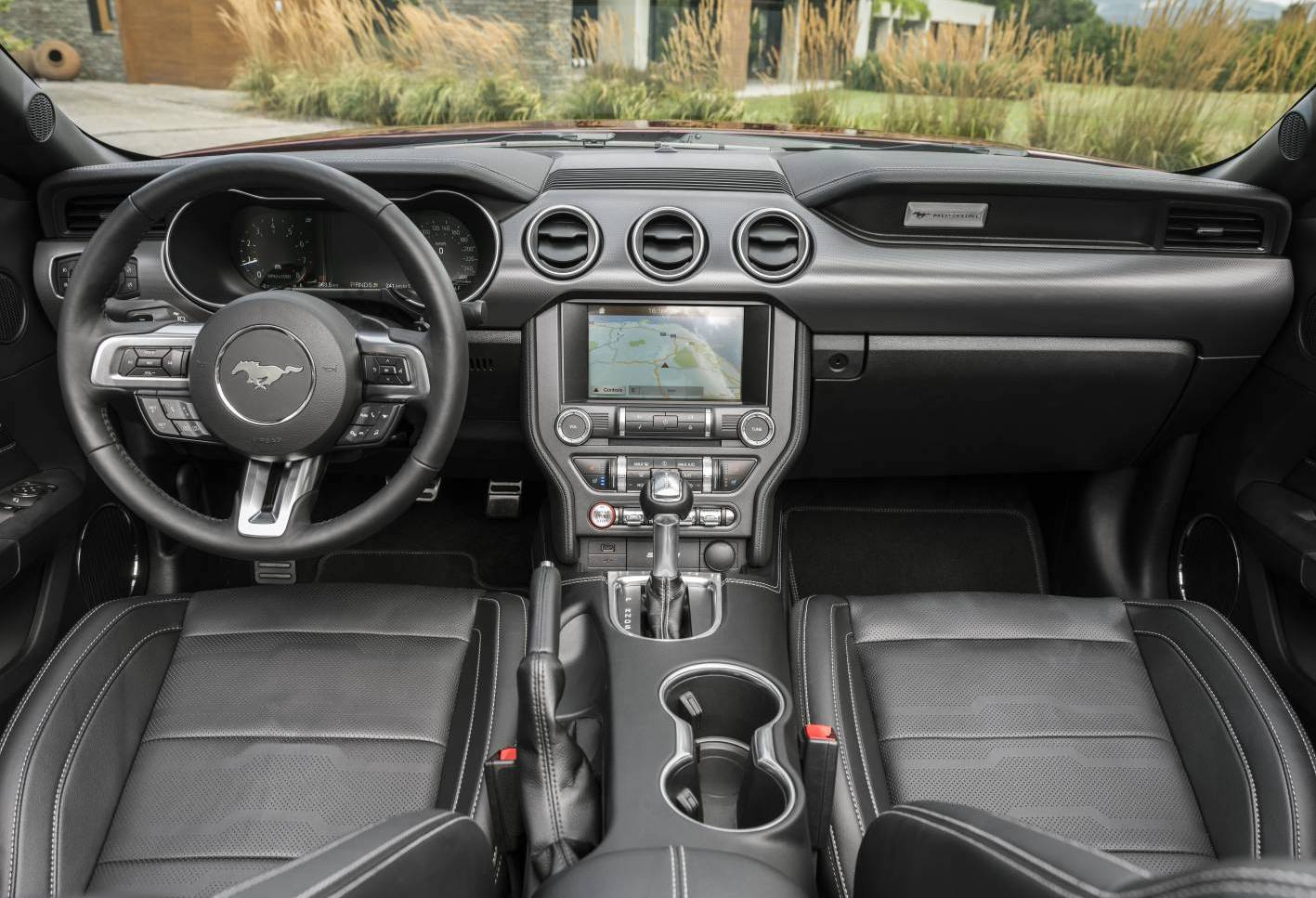 2019 ford mustang ecoboost interior