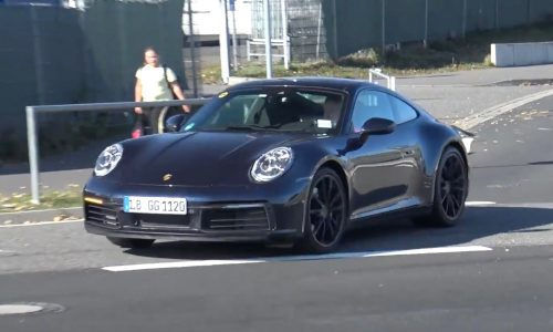 2019 Porsche 992 911 spotted, almost camouflage-free (video)