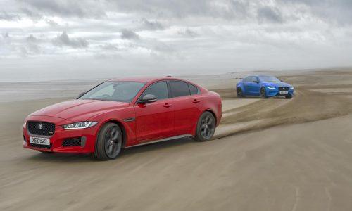 Jaguar XE drifts 1000m helix pattern in the sand (video)