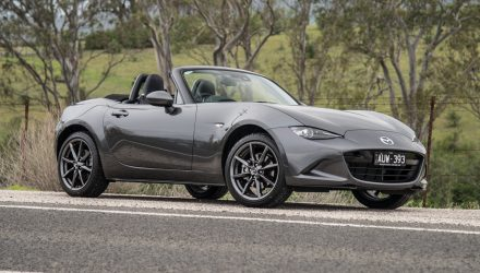 2019 Mazda MX-5 Roadster GT 2.0L review (video)