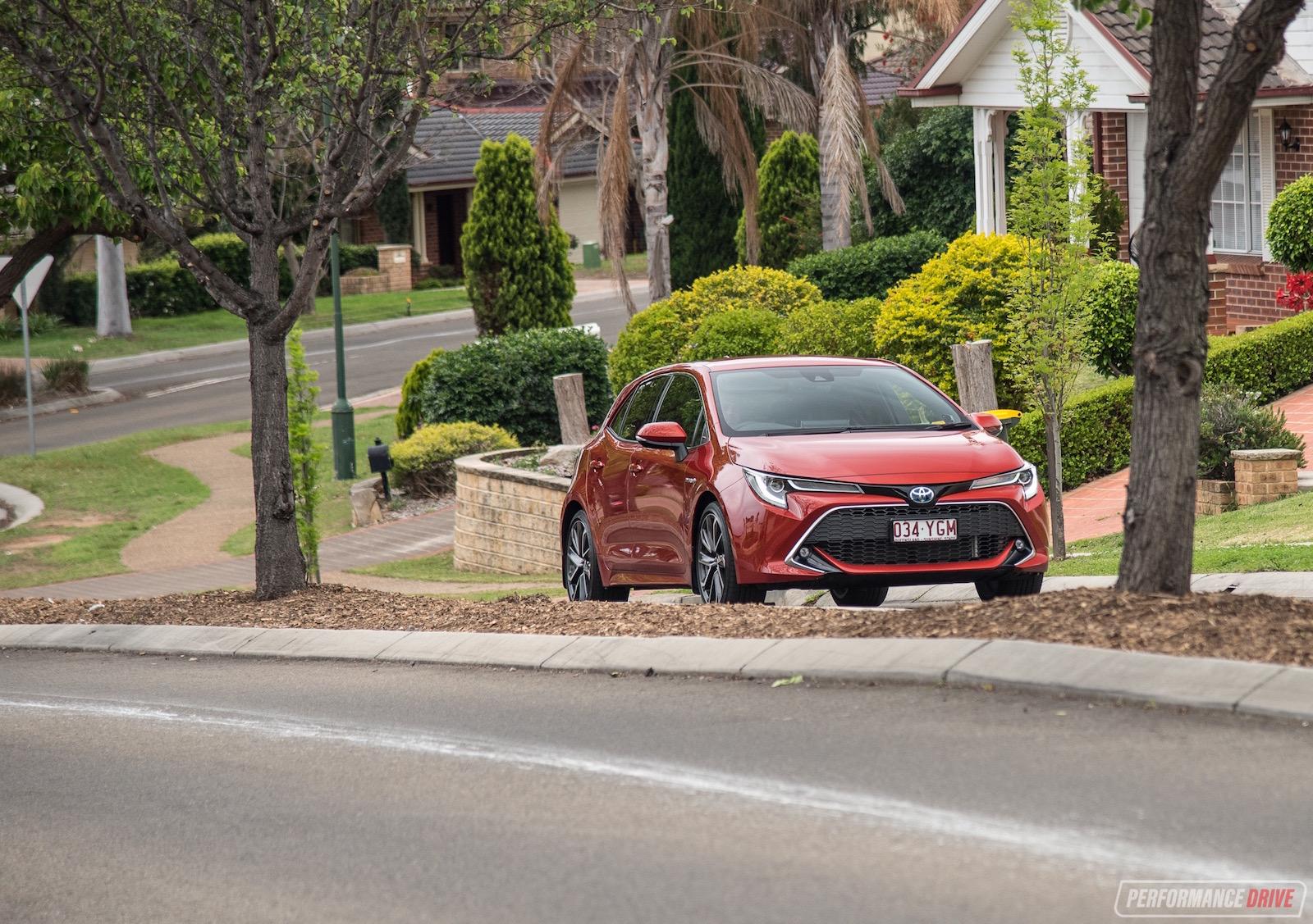 2019 Toyota Corolla Zr Hybrid Review Video Performancedrive