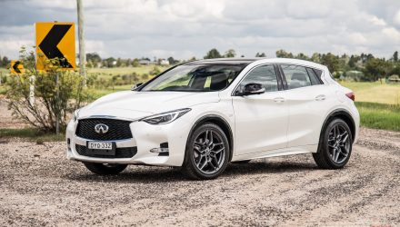 2019 Infiniti Q30 Sport review (video)