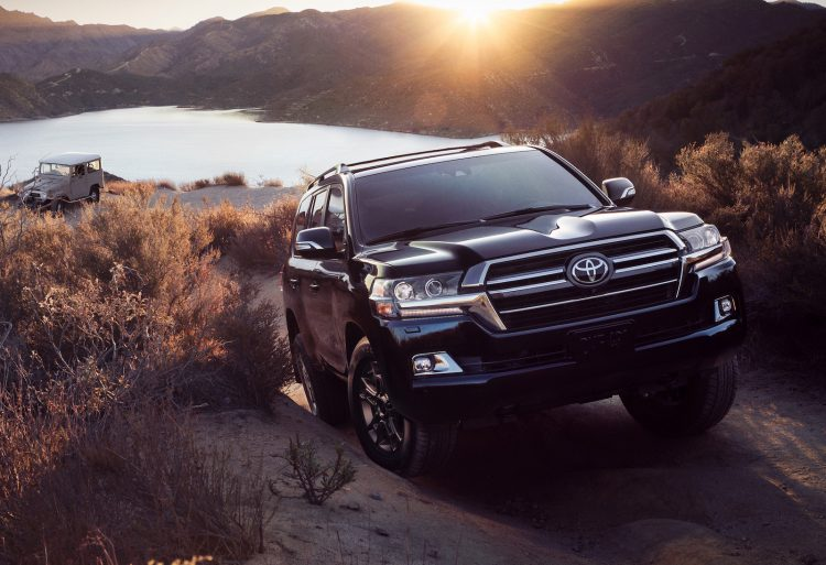 Toyota Land Cruiser 300 2015