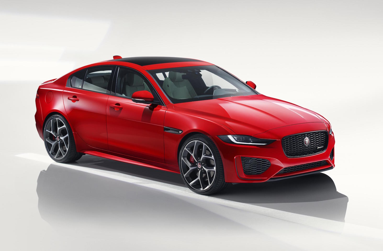 2020 Jaguar XE performance and interior | peeker