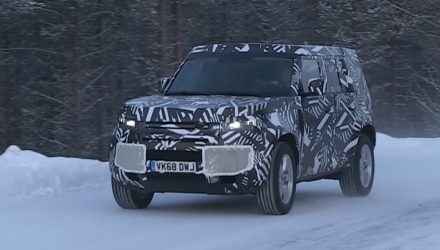 2020 Land Rover Defender spotted, extreme winter testing (video)