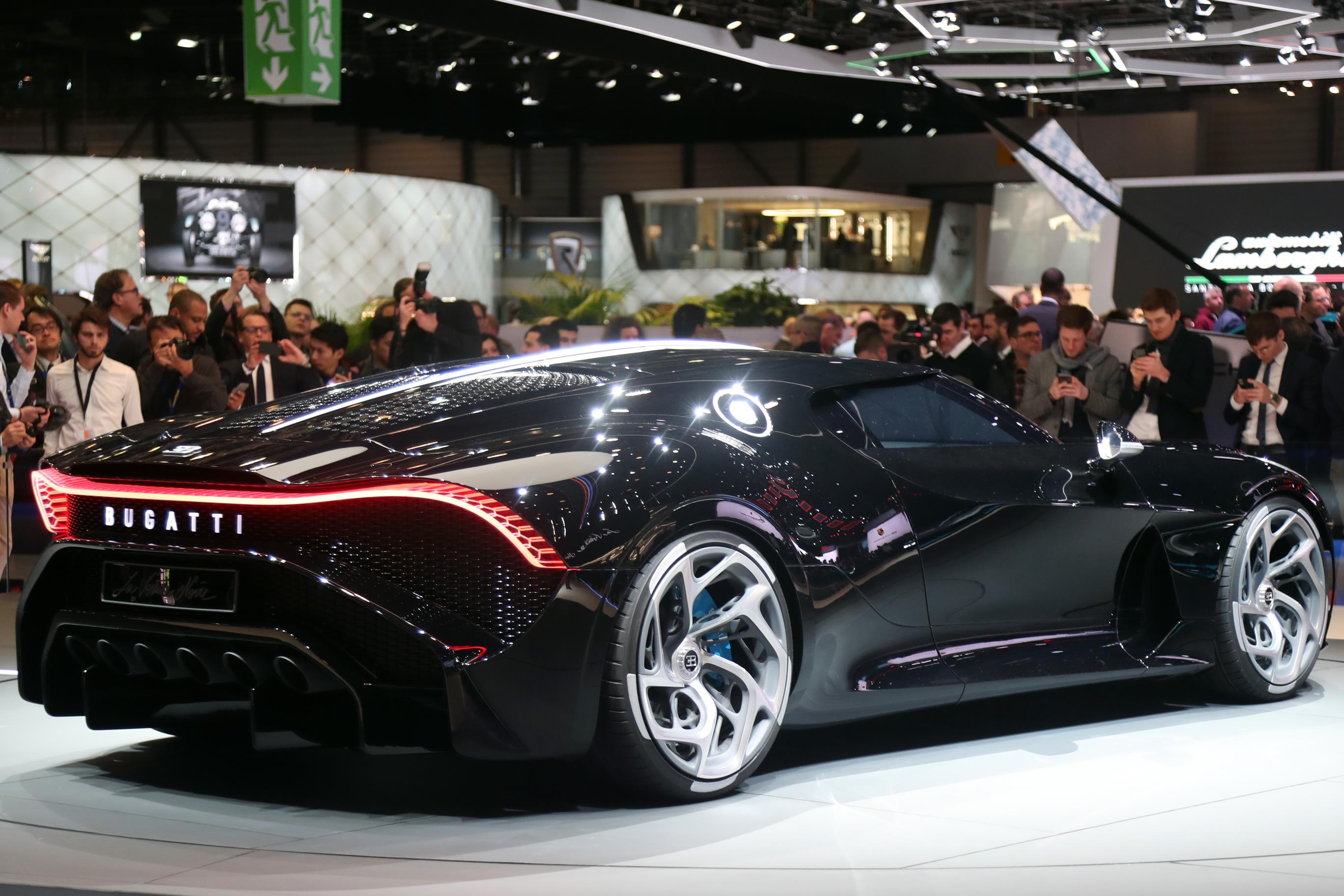 Bugatti La Voiture Noire: Bugatti La Voiture Noire Unveiled, Most Expensive Car Ever