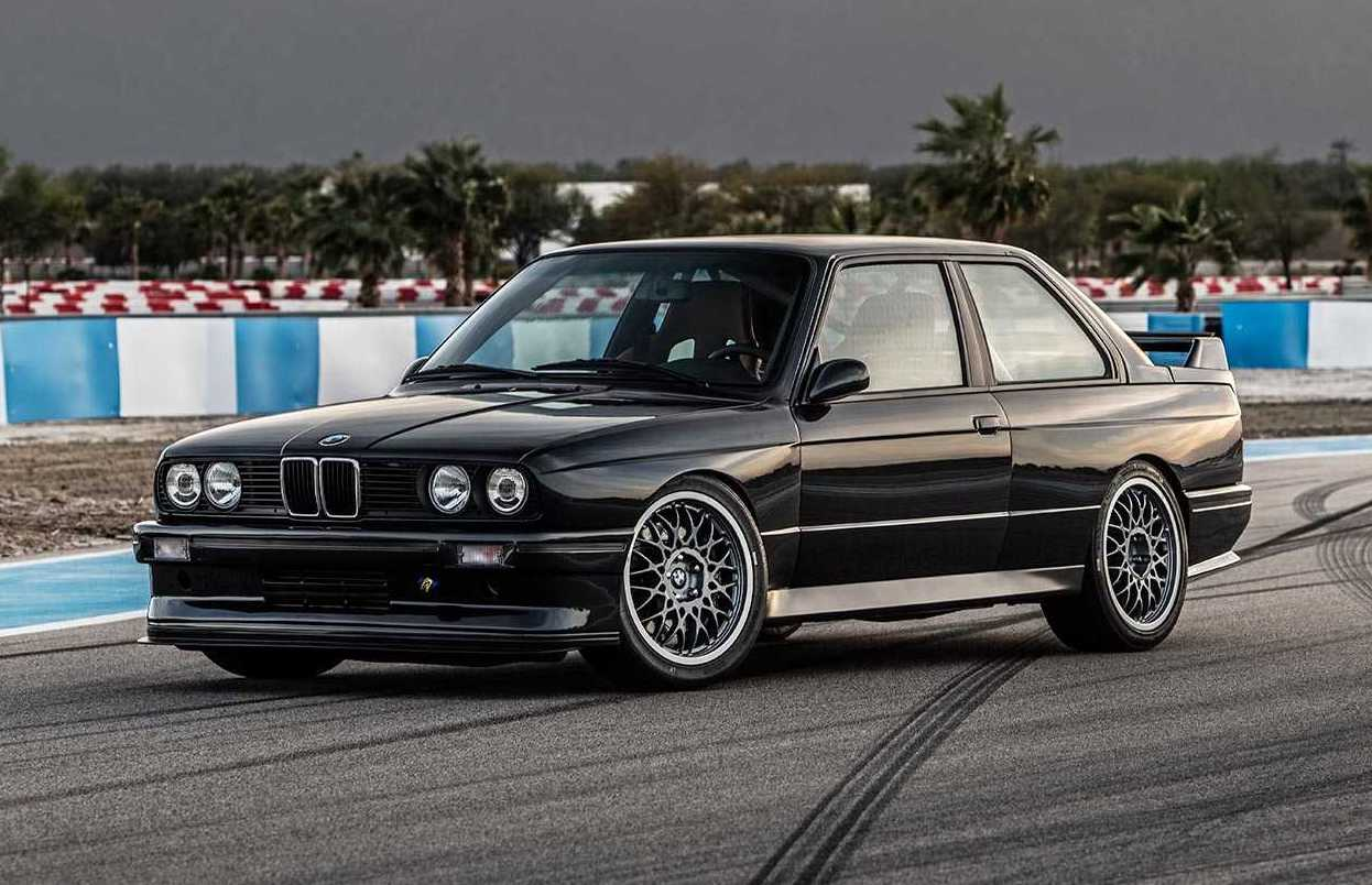 Redux Announces Awesome Bmw E30 M3 Restomod Package Performancedrive