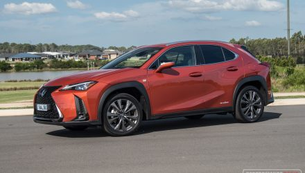 2019 Lexus UX 250h F Sport review (video)