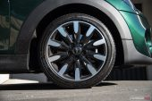 2019 MINI Cooper S-17in wheels